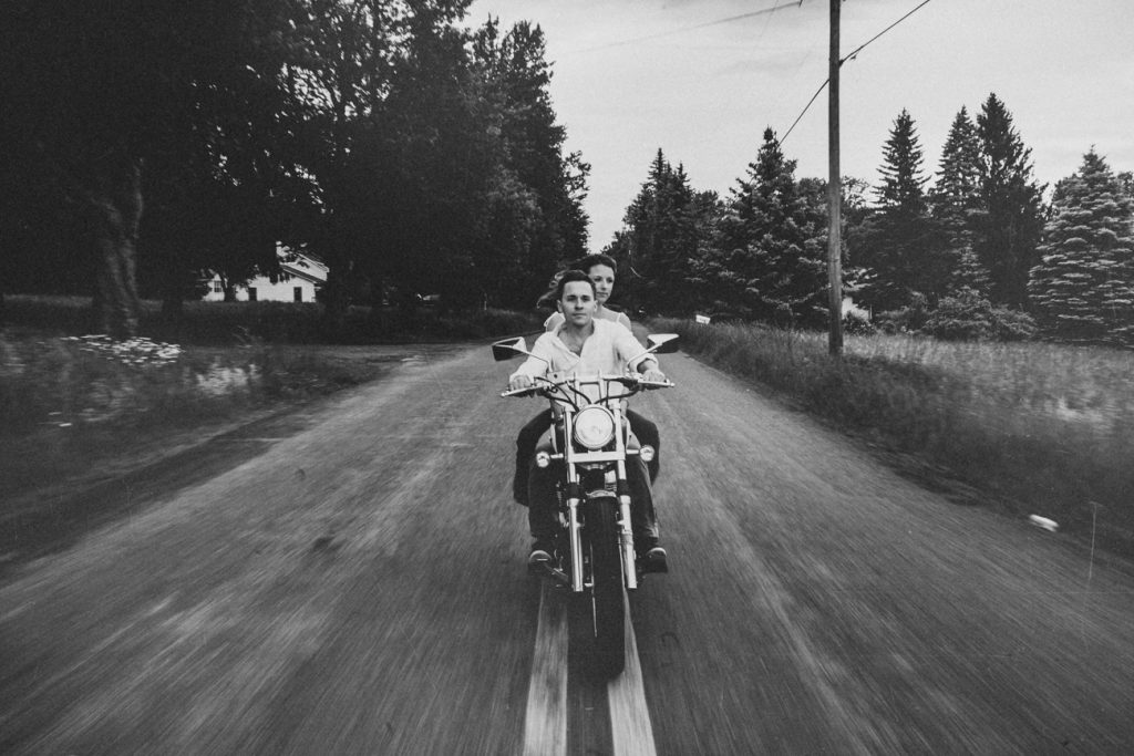 Motorcycle-engagement-photos09